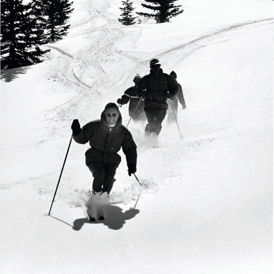 1969.010.0050 aspen ski co collection v2ze3n