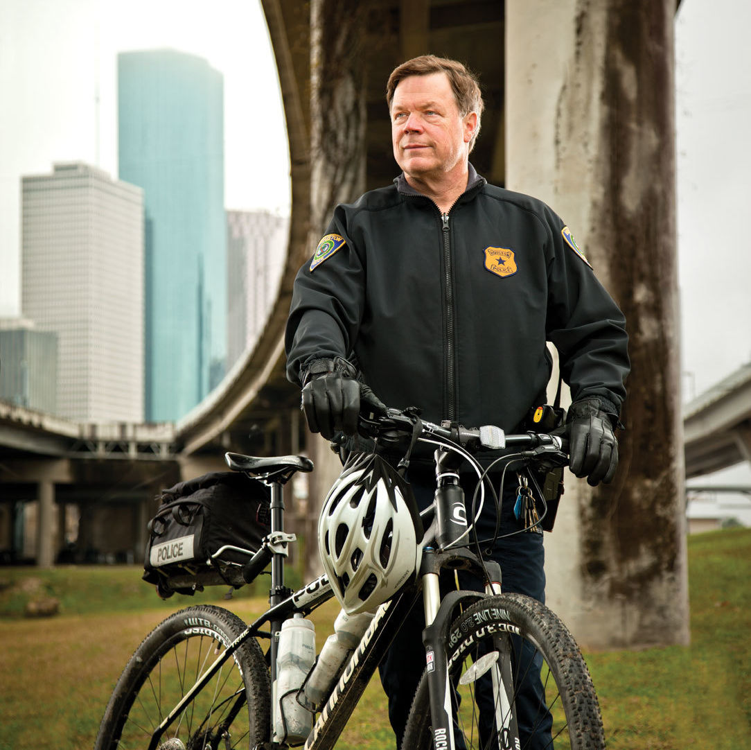 0215 bayougrapy steve wick bicycle cop cckgwx