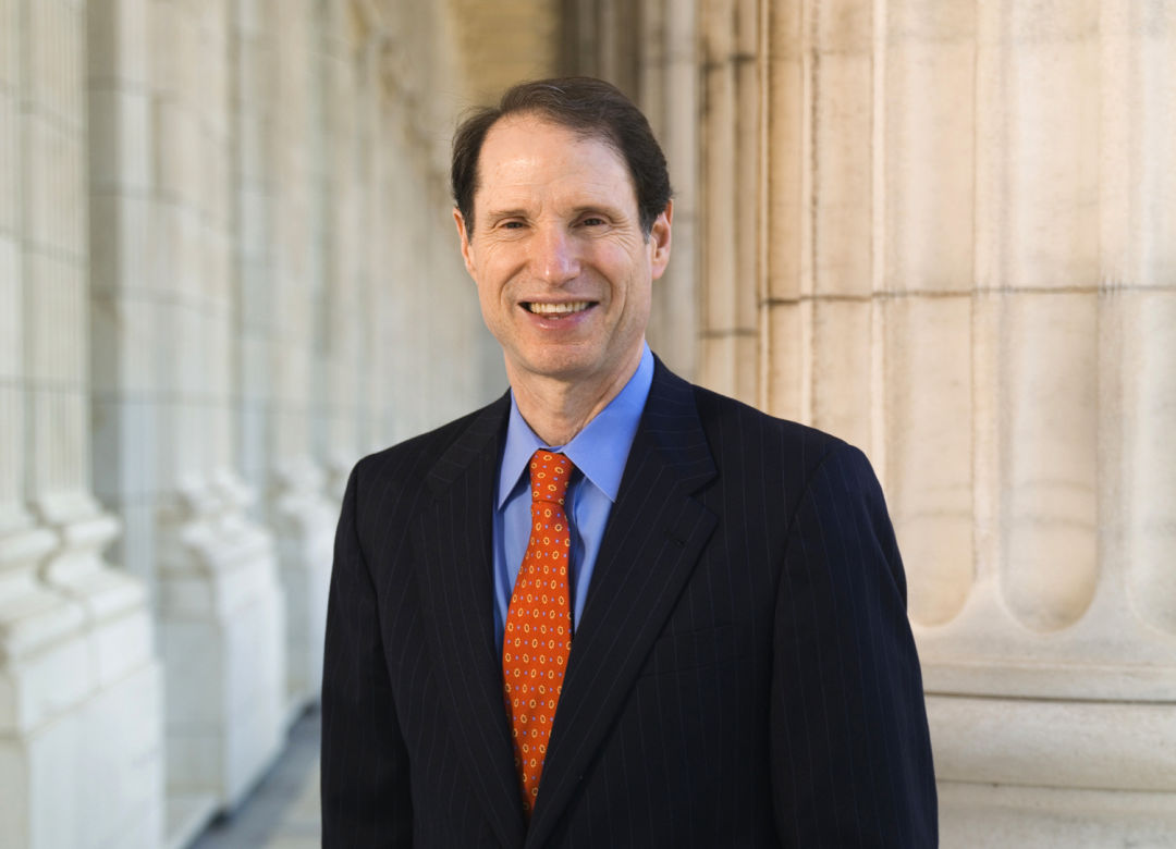 Ron wyden official photo r7lqk6