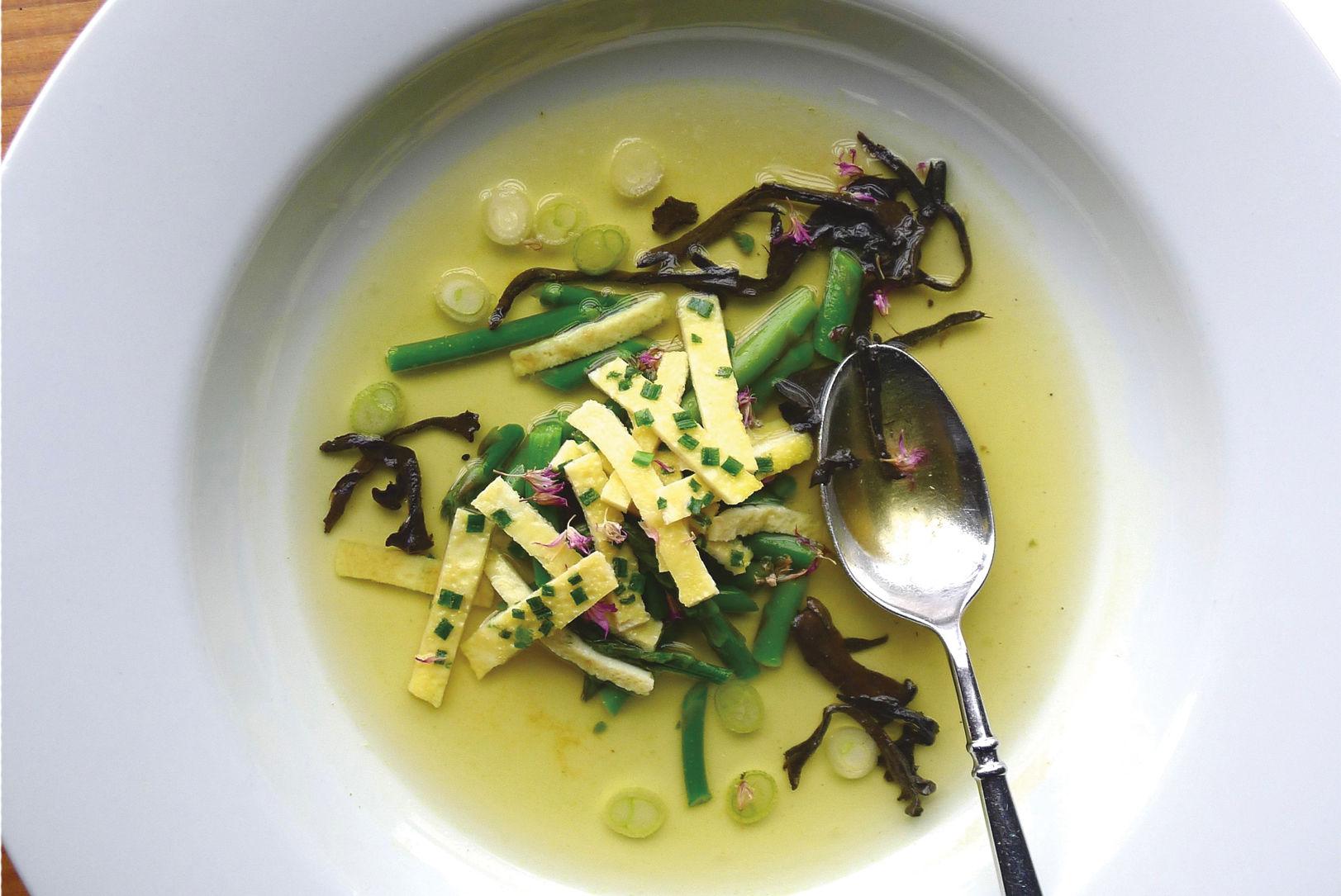Pomo 0317 eat drink davenport soup u4bfnj