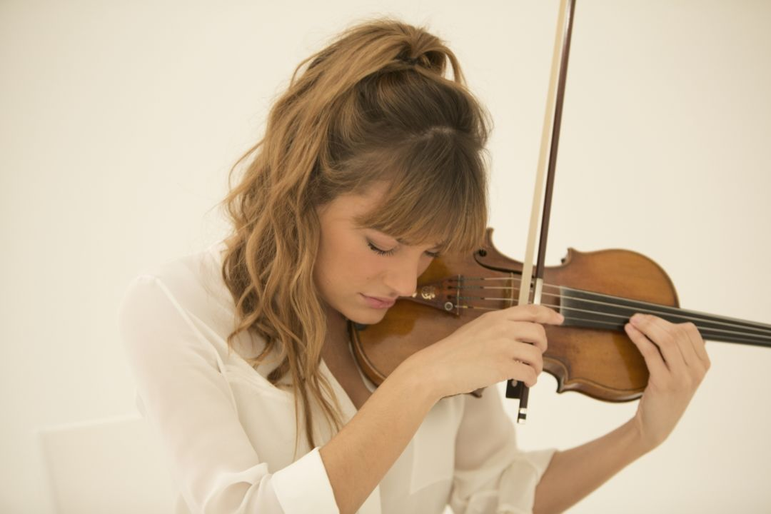 Nicola benedetti photo by simon fowler 02 lr cyeert