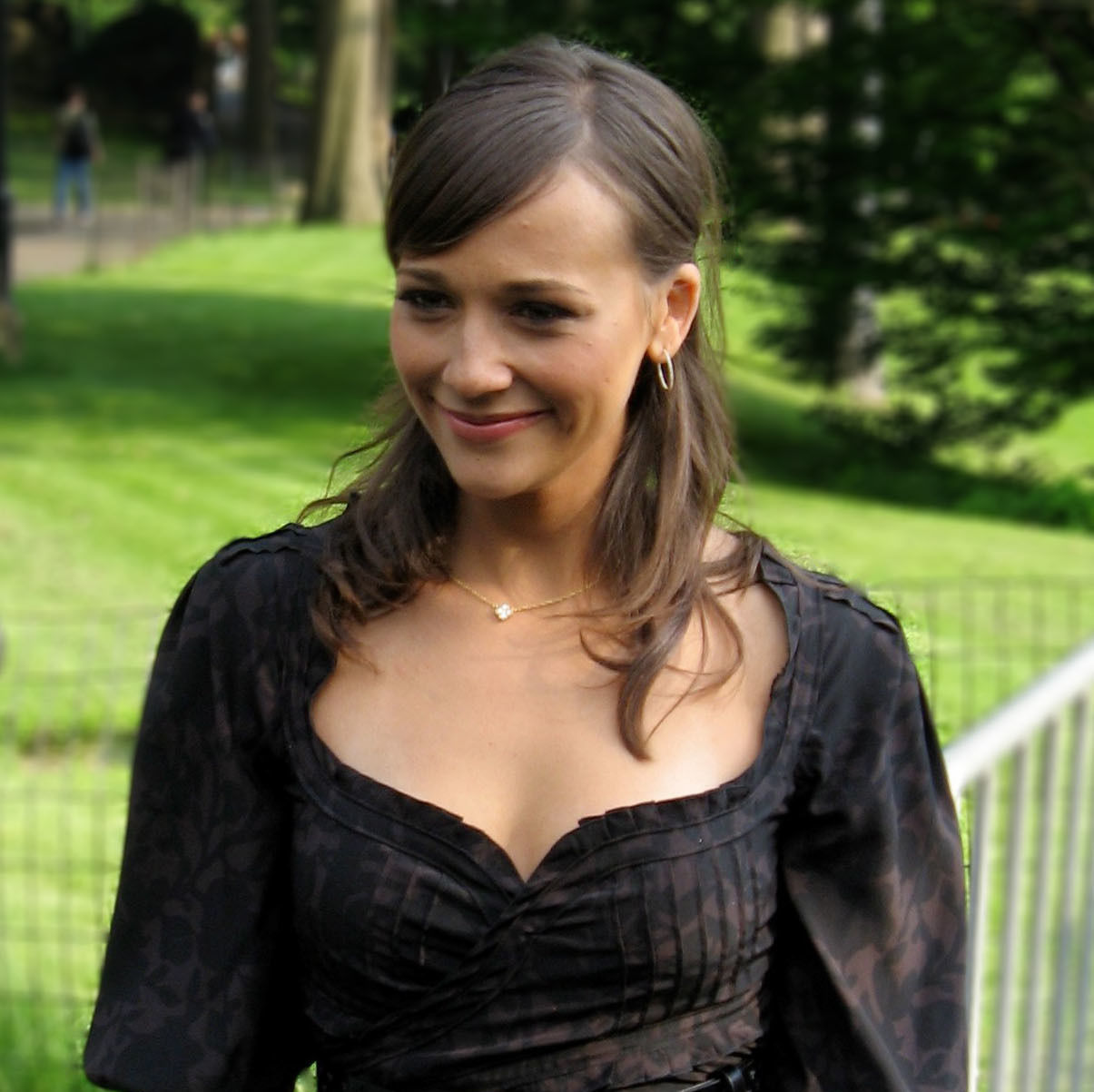 Rashida jones gf6paq