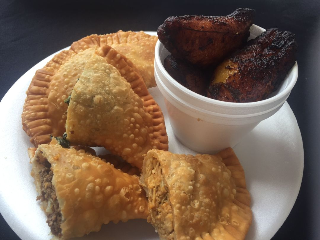 Sofrito mama 39 s makes puerto rican food shine sarasota for Authentic puerto rican cuisine