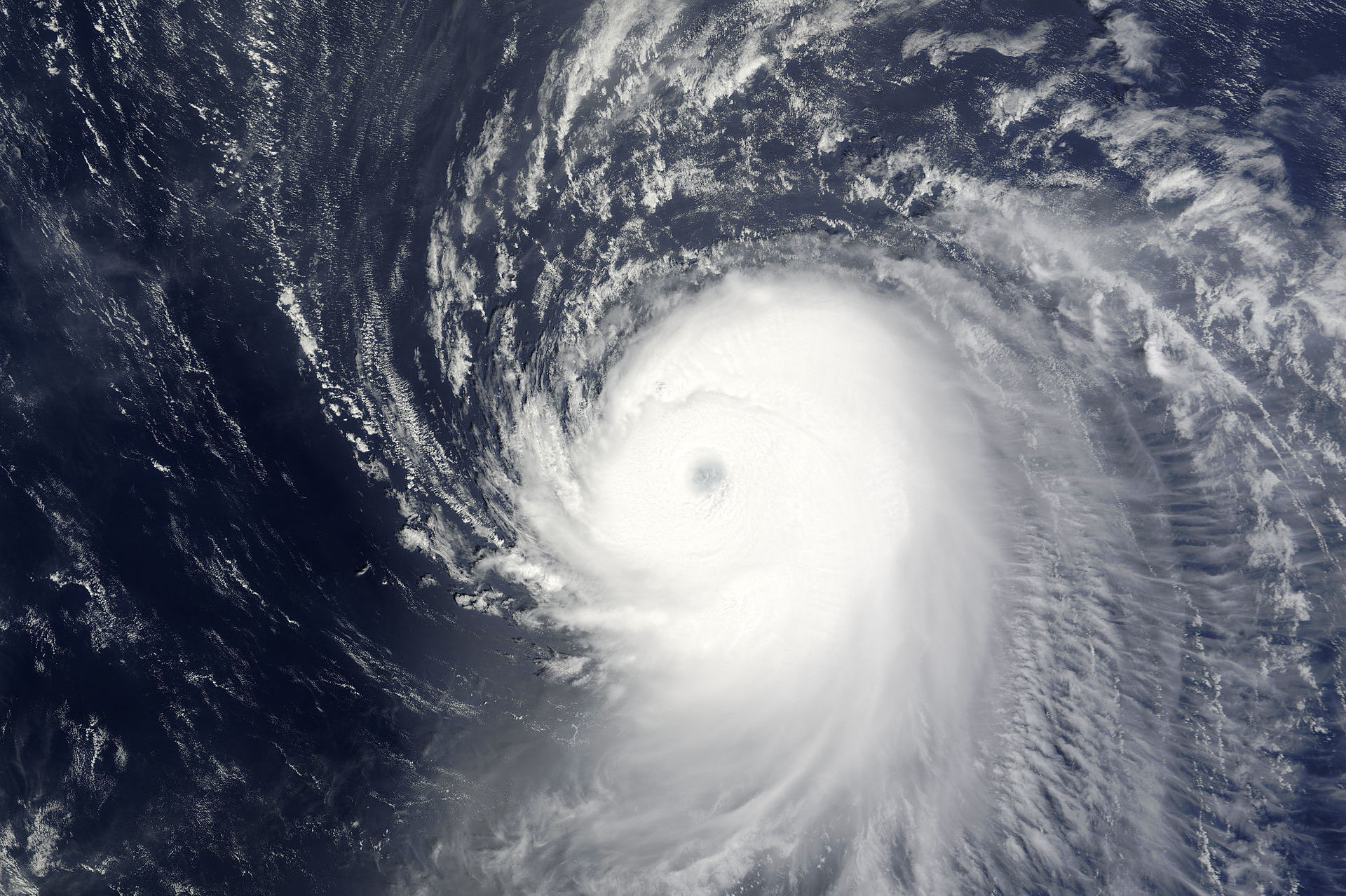Hurricane ike off the lesser antilles nuzww7