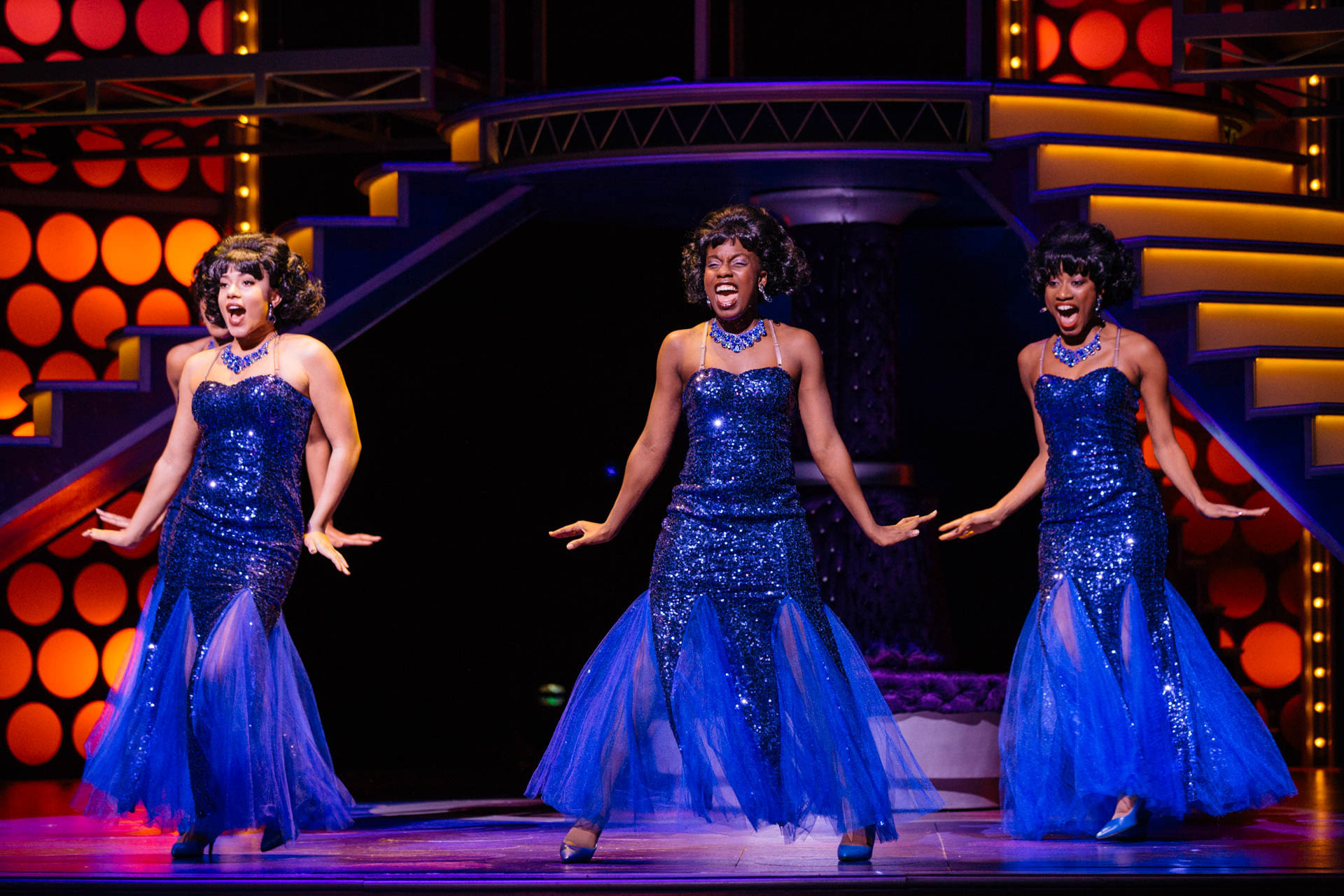 Tuts dreamgirls cast of dreamgirls photo by os galindo vklae4