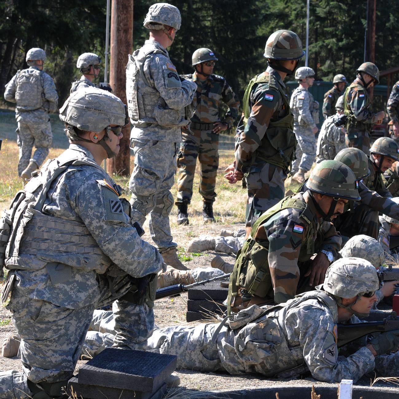 U.s. military yudh abhyas 2015 soldiers familiarize with insas 1b1 hqhall
