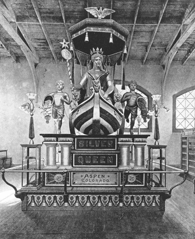 0816 silver queen statue e1xgj6