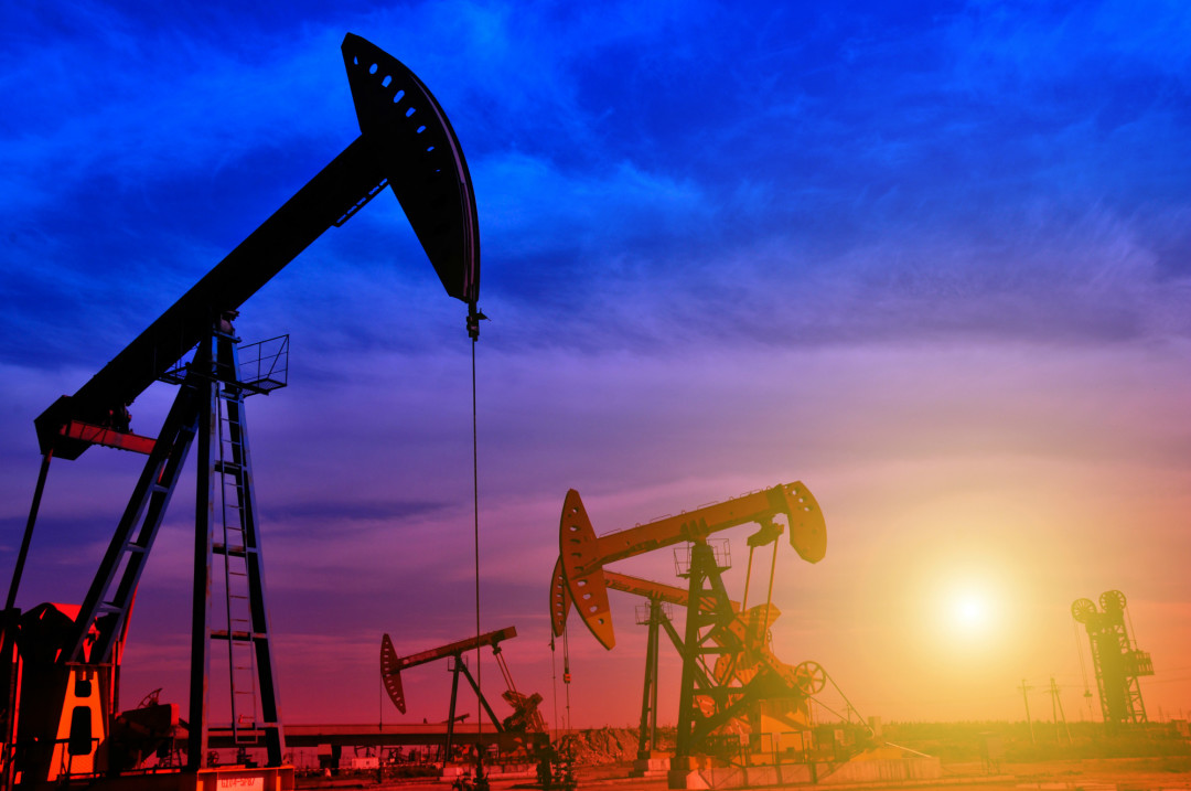 Oil field vicglv