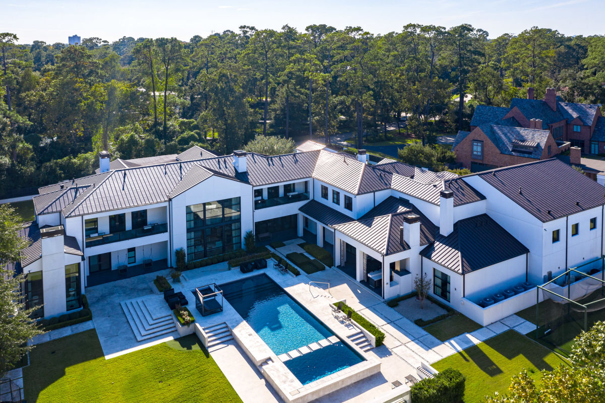 On the Market: A Jaw-Dropping Estate With a Price Tag to Match