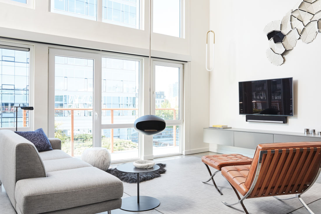 Step into Stefan and Jennifer Frei\'s Modern South Lake Union Loft ...