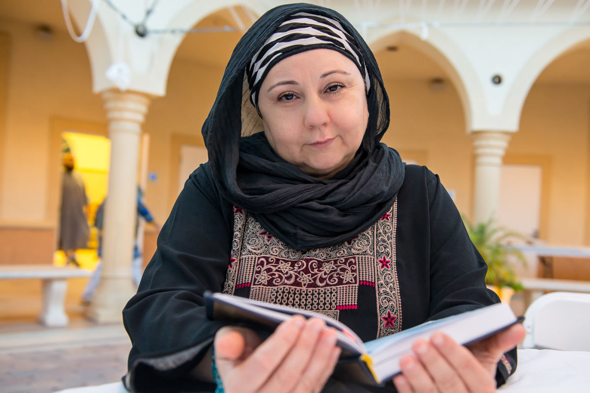 emily muslim single men I have been dating a muslim man for 1 year 2 days ago, i discovered he has been married for over 10 years i am very heart broken he hid from me this information as he knew that i would leave him if he told me earlier.