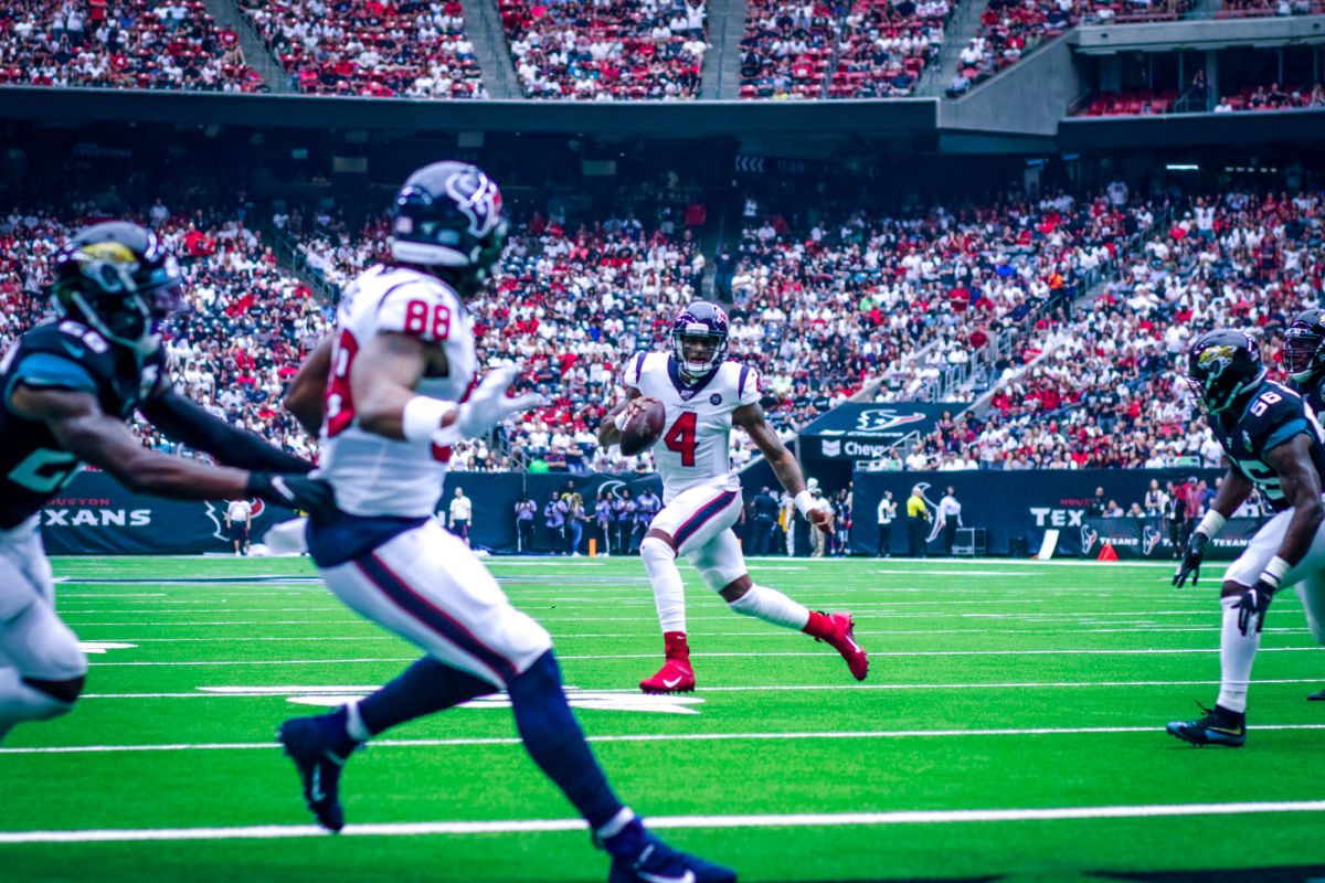 Texans Squeak by Jaguars in First Home Game of the Season