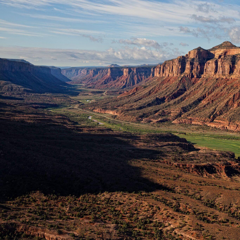 Aerial canyon view preview ekqysw