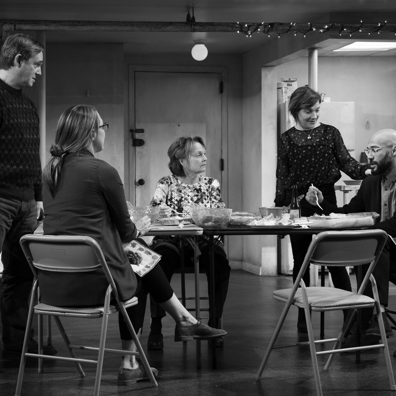 The humans   richard thomas  pamela reed  daisy eagan  luis vega  therese plaehn. photo by julieta cervantes preview tcusuh