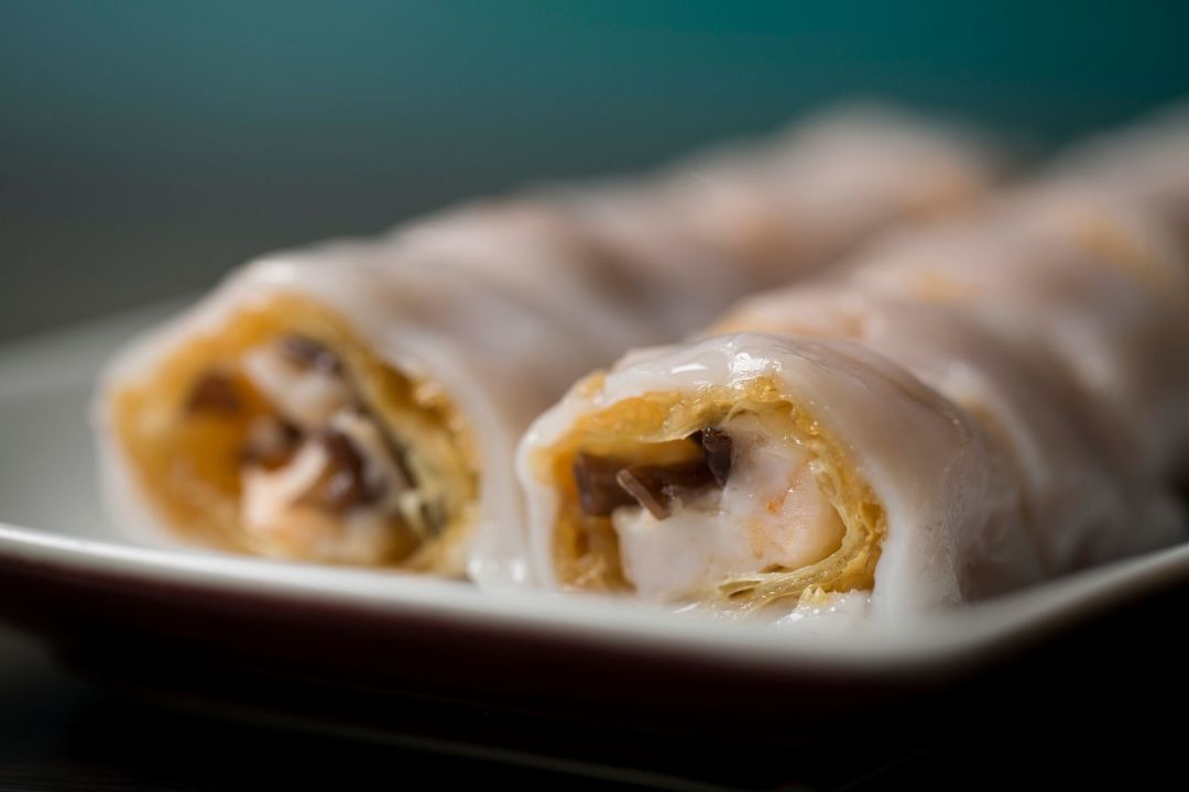 Prawn and crispy bean curd cheung fun pfiay6