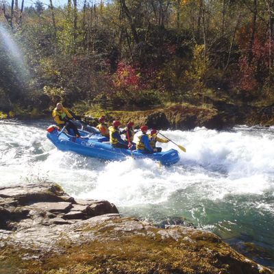 Pomo 1016 fall day trips santiam featured xpat33