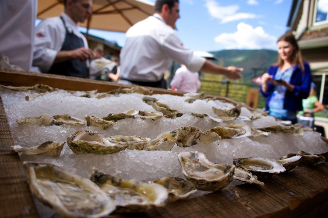 Oysters amirault 4 2100x1395 300 rgb mgjjhr
