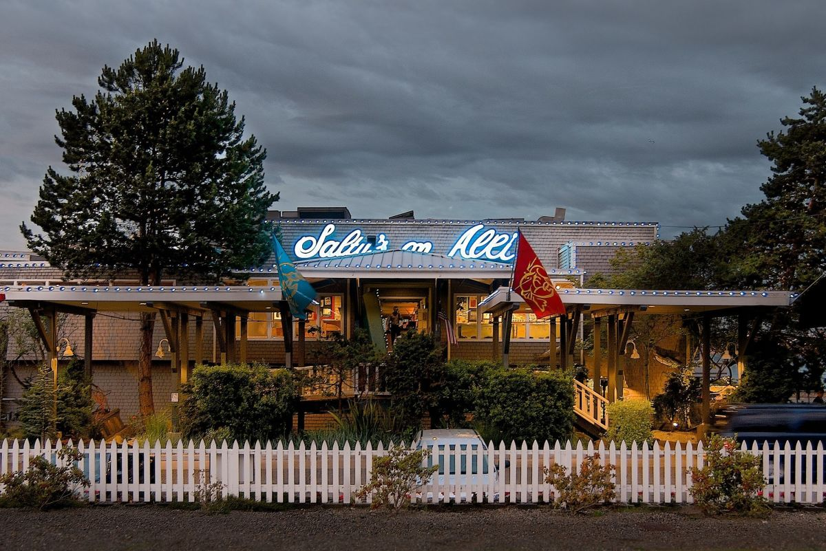 Saltys On Alki Restaurants Seattle Met