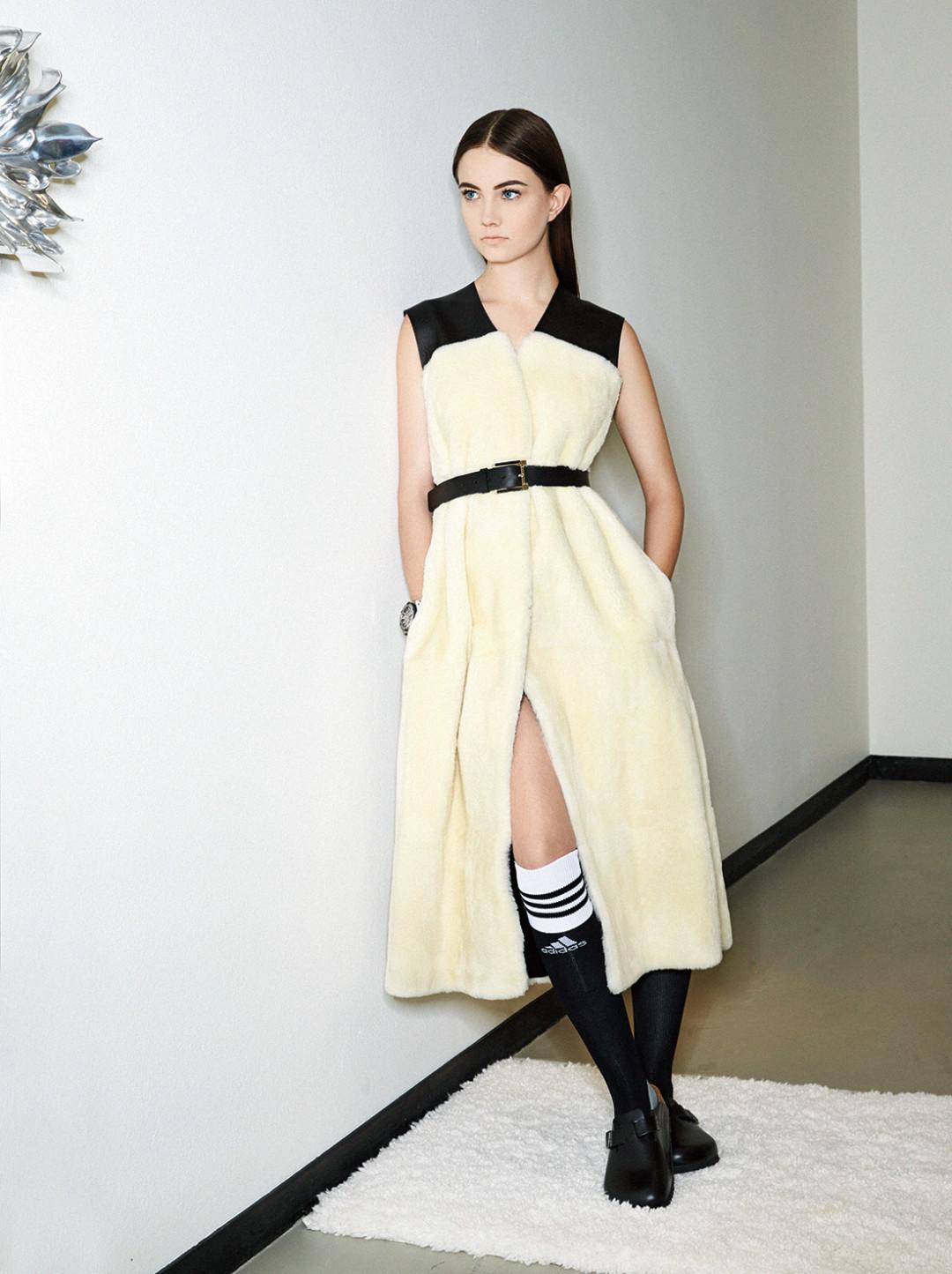 0215 plain spoken cream black dress j0pkze