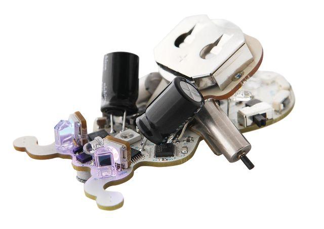 Pomoda 16 trophy case ringo robot gnnxp2