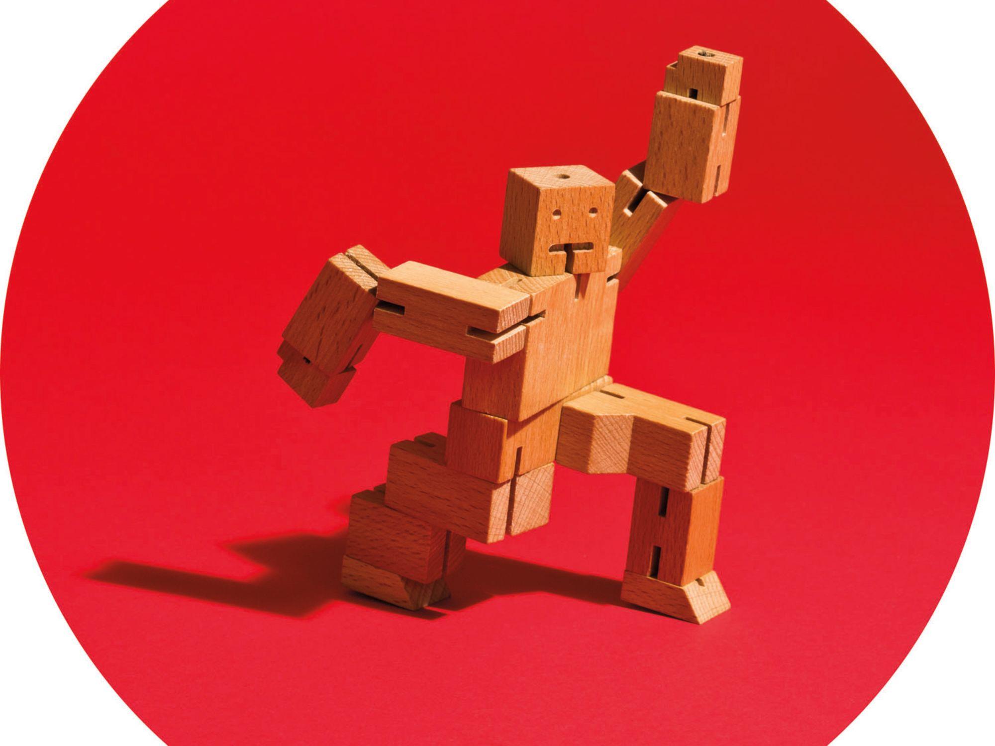 Pomo 1216 gift guide cubebot puzzle aztg0o