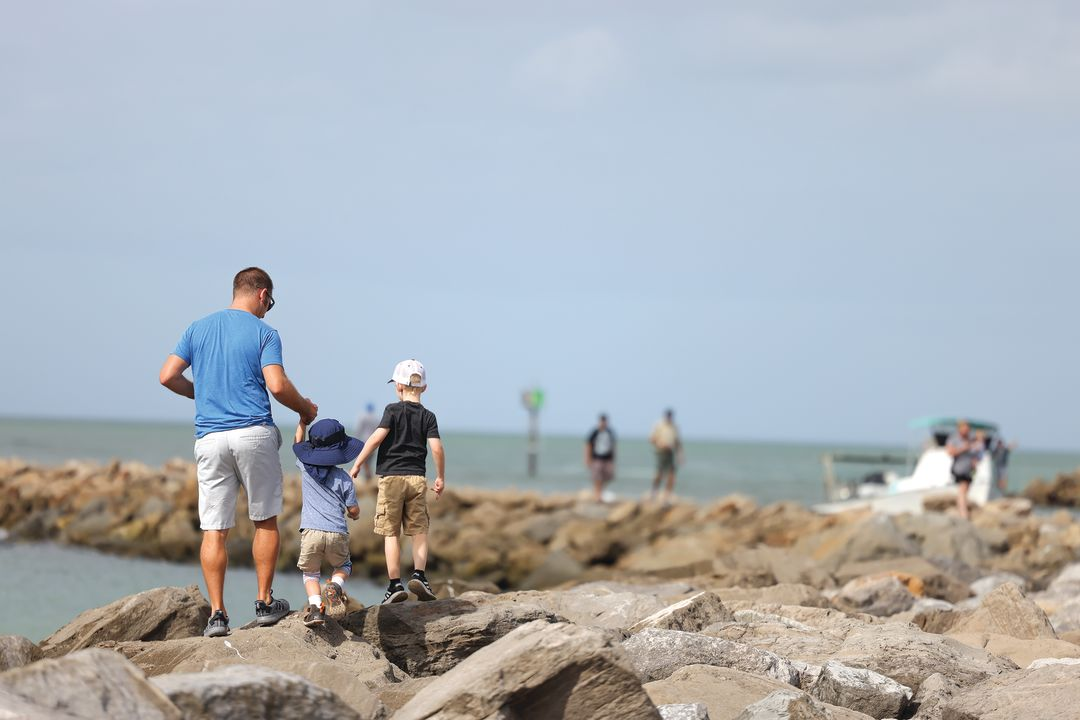 Sightseeing along the South Jetty