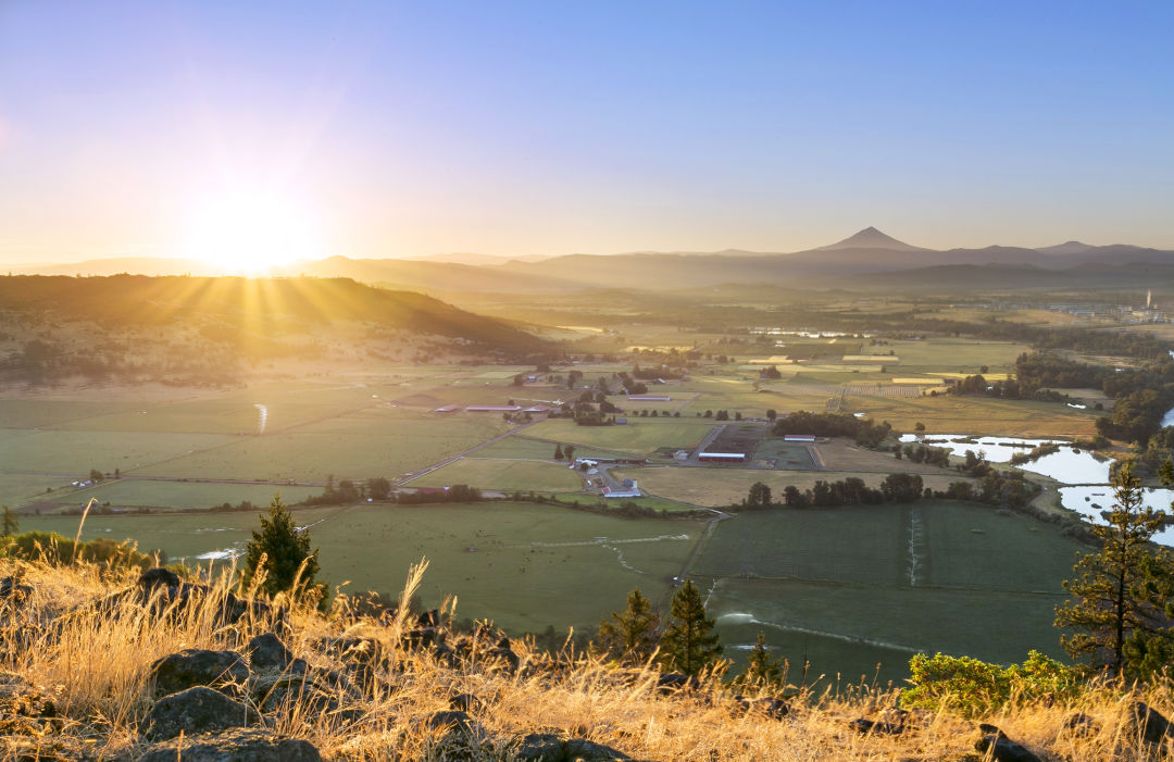 Awesome Top Spots To Hike In Southern Oregon Portland Monthly Home Interior And Landscaping Dextoversignezvosmurscom