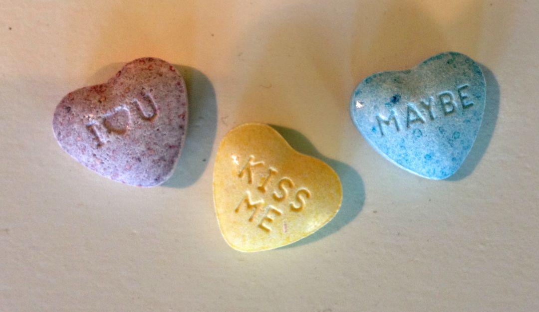 Sweettarts hearts izy2jg