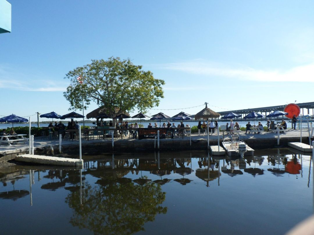 Dining on the Manatee River at Woody's River Roo