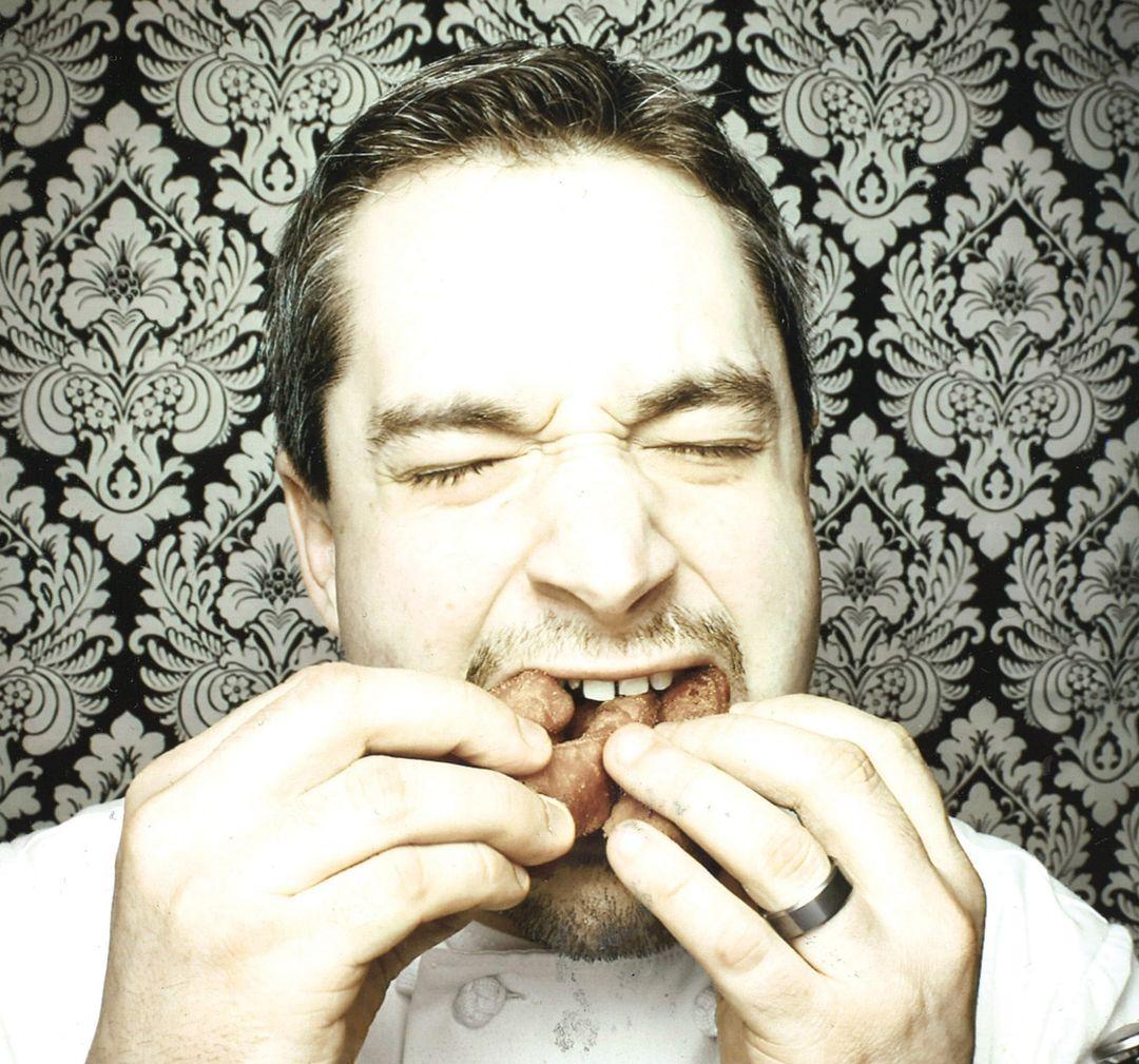 Tyler hefford anderson with donut cmyk v7gtpp