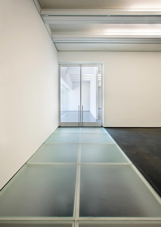 1114 aspen art museum glass floor byyu3e