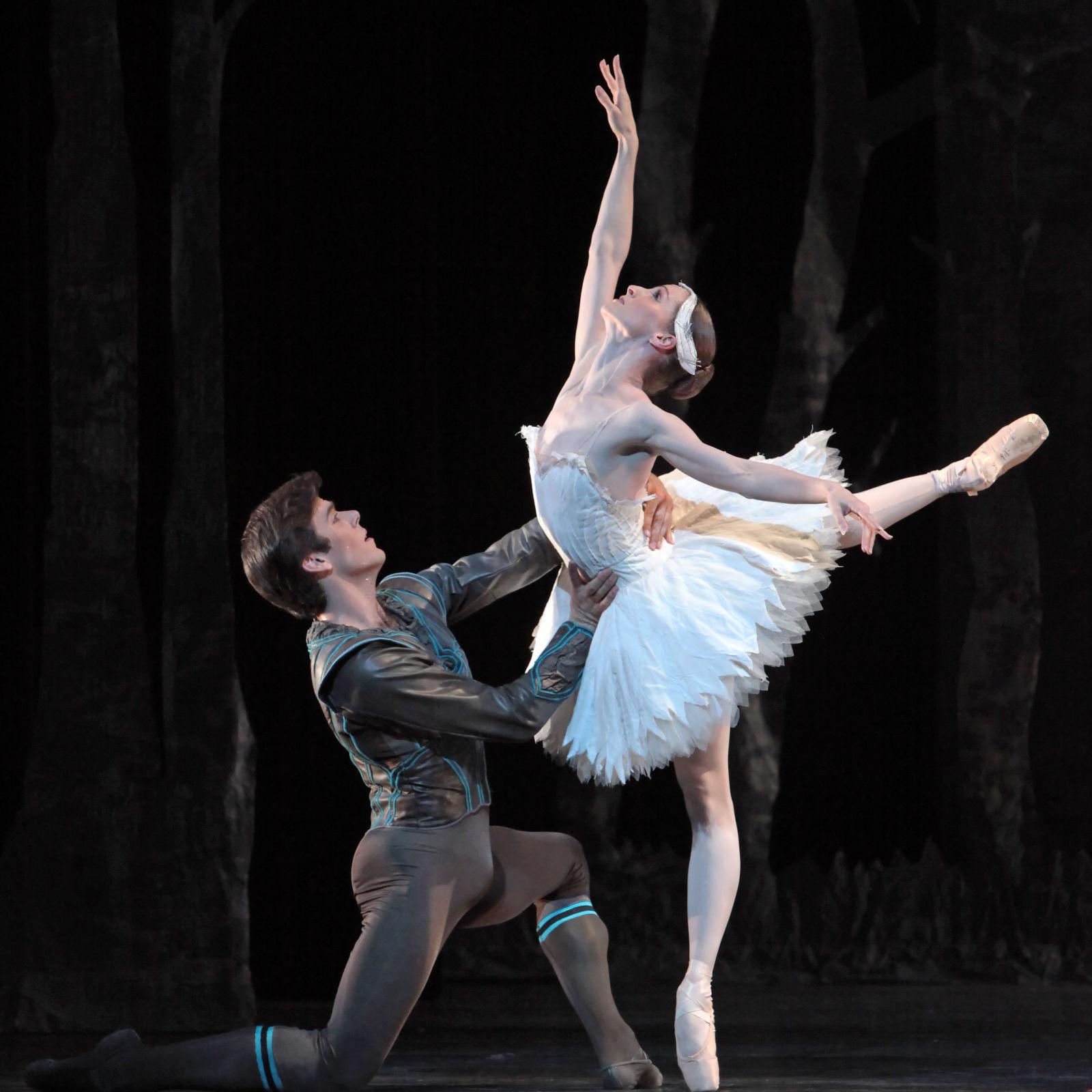 Houston ballet   swan lake  sara webb and connor walsh  xe2jeu