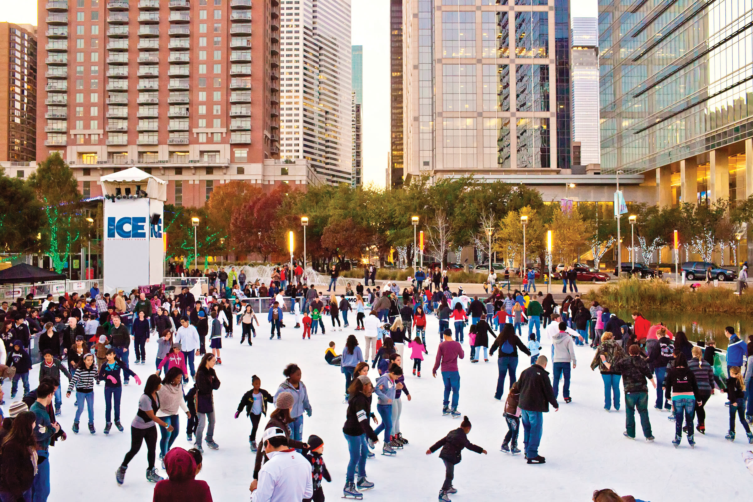 1216 on the town ice rinks discovery green qqg6ni
