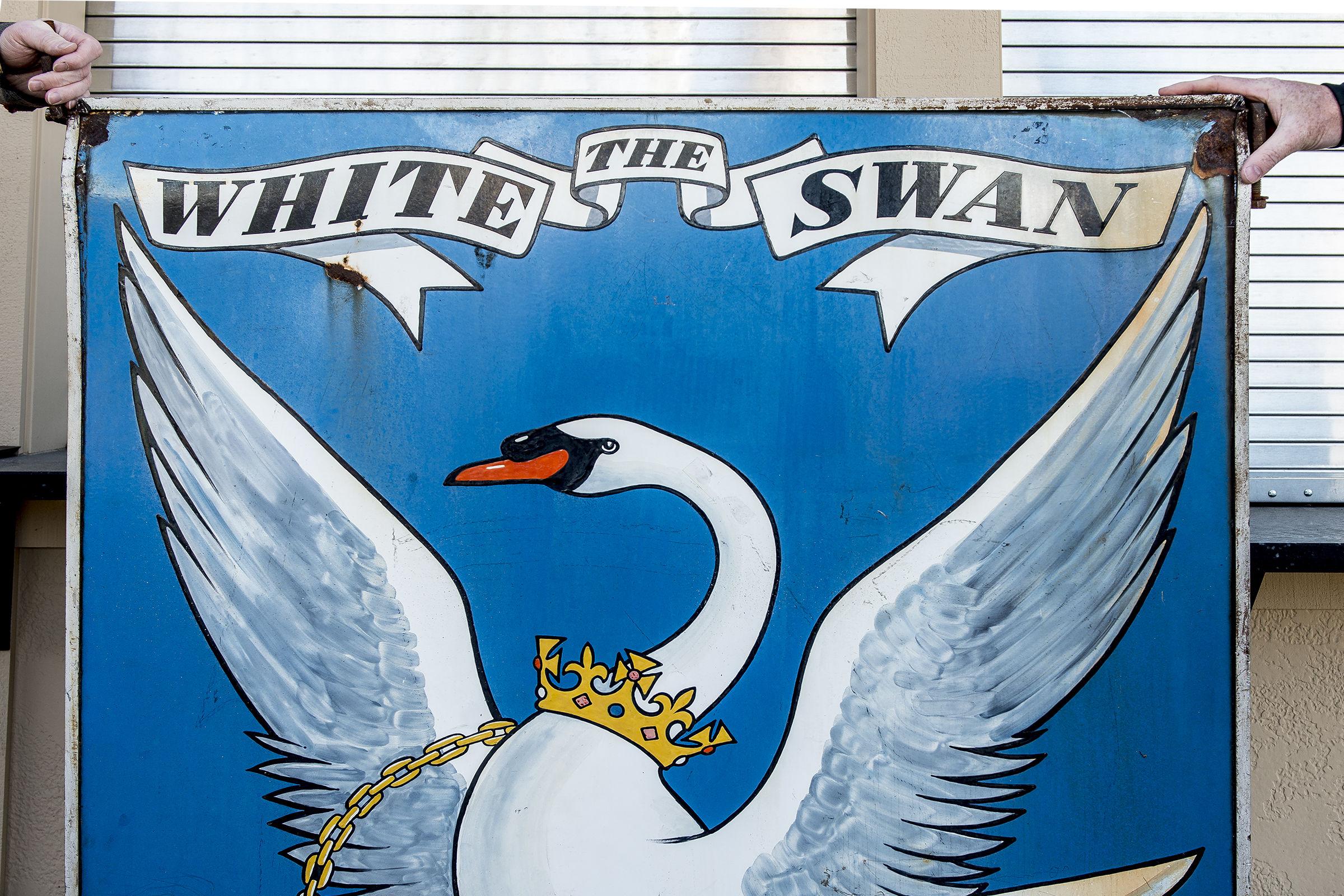The white swan public house ufjlhj
