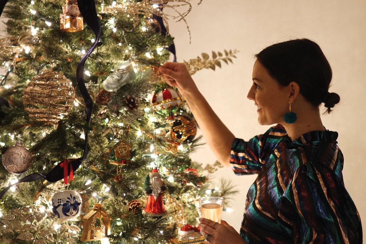 Christmas Trees 2021 Upper Manhattan How To Decorate Your Christmas Tree Houstonia Magazine