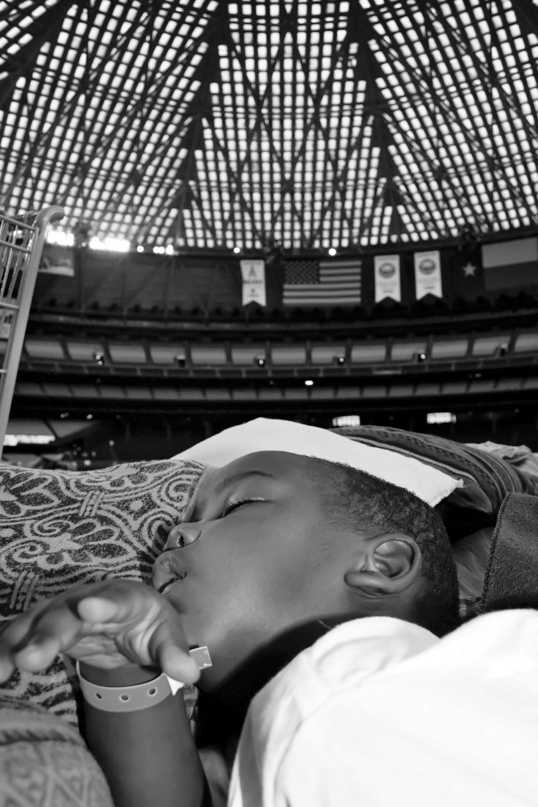 0915 katrina horner child sleeping astrodome qvqj9o