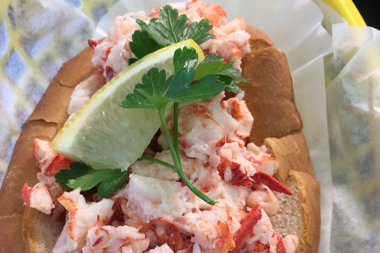 Lobster roll i6wnmq