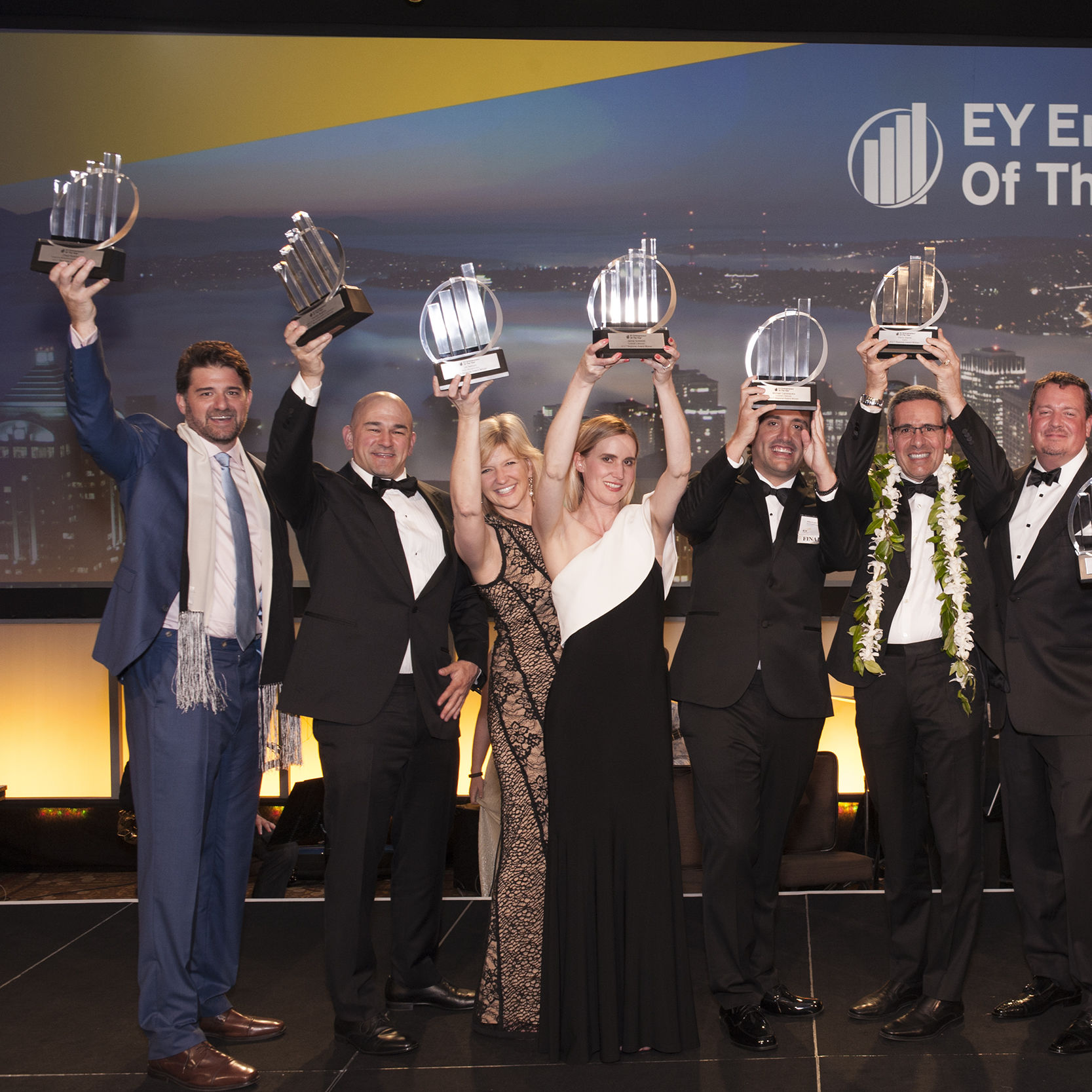 Entrepreneur of the year 2017 pacific northwest region winners  chad and harlan robins  jill nelson  jaime schmidt and michael cammarata  chris diorio  rodell notbohm  stein kruse  rick and david cantu yafxha