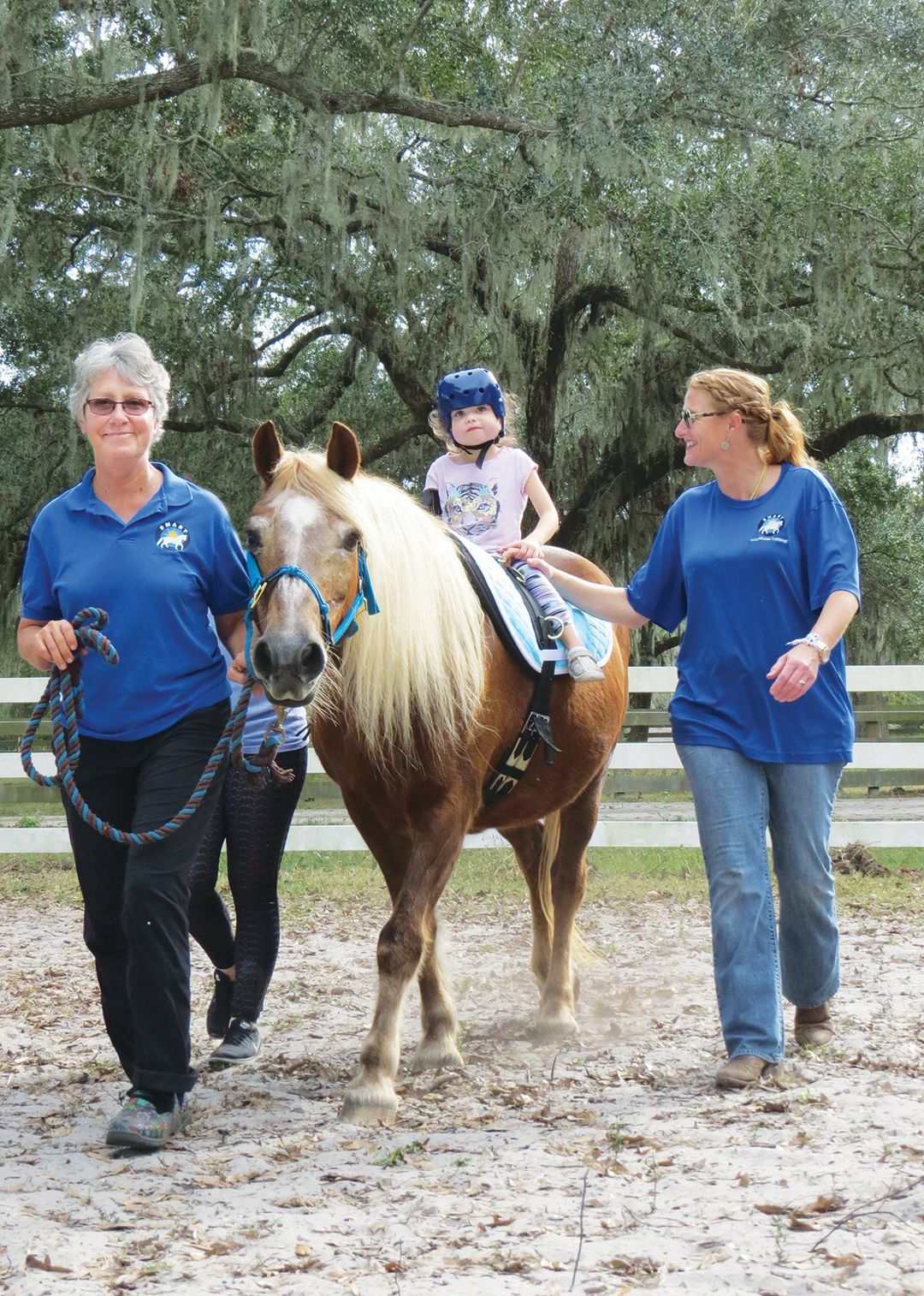 ccfc1b3b6 Gail Clifton Teaches Therapeutic Horseback Riding to People with ...