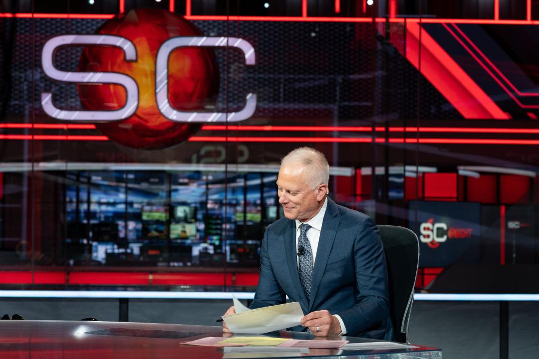 Kenny Mayne on SportsCenter set