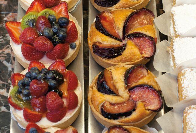 Pcwi 14 dining bakery at windy ridge 2 ayy4w1