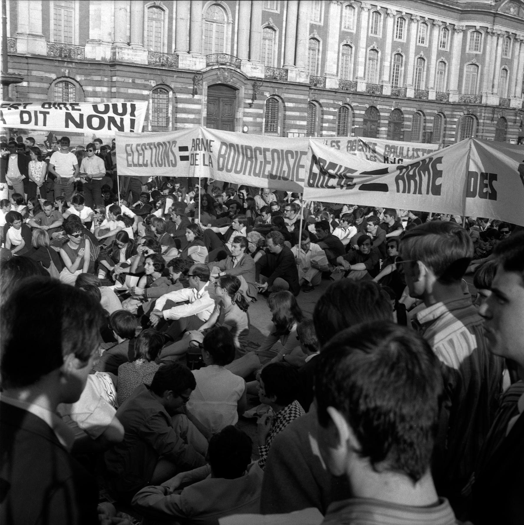 11 12.06.68 mai 68. nuit d e meutes. manif. barricades.de ga ts  1968    53fi1037 fr3aqu