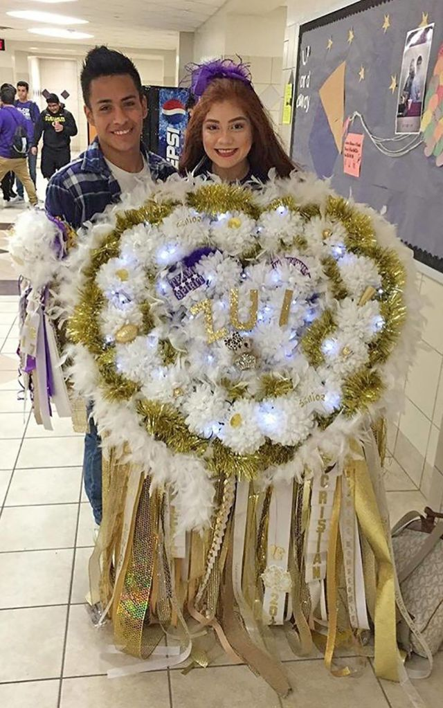 This Giant Homecoming Mum Will Amaze And Terrify You Houstonia