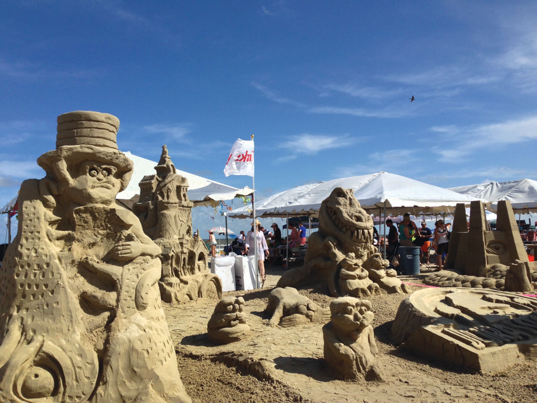 How To Crush The Competition In A Sandcastle Contest Houstonia - The 10 coolest sandcastle competitions in the world
