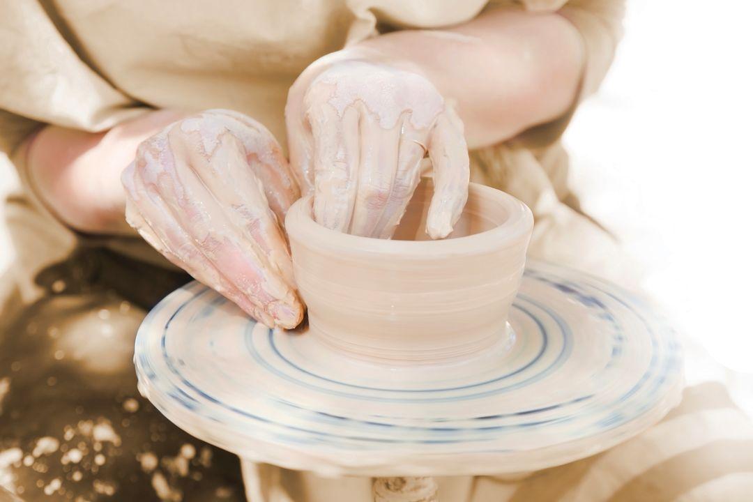 Pottery o6o1iv