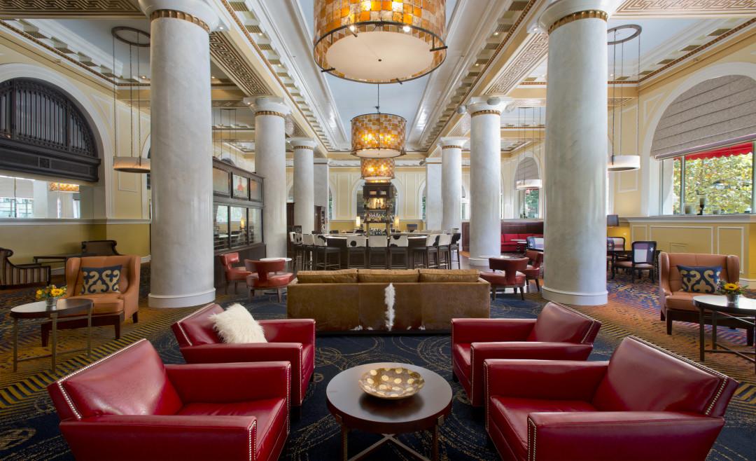 Take A Staycation Hotel Icon Houstonia