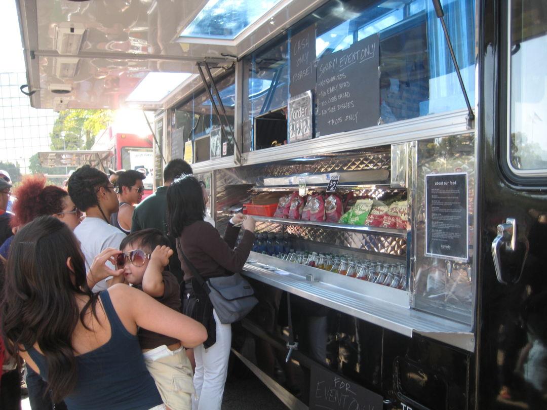 Food truck s8y5rr