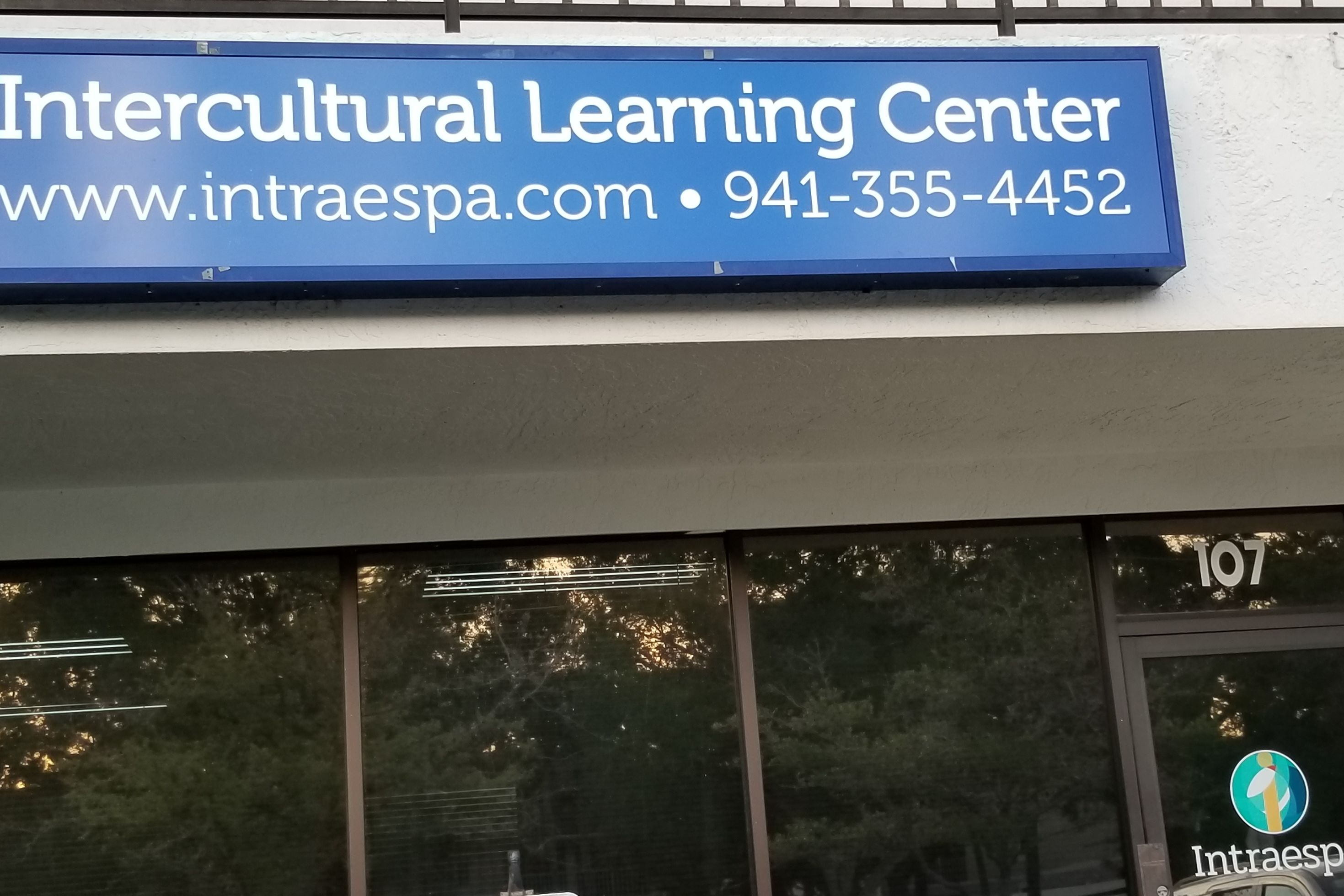 Intercultural learning center lcnmqo
