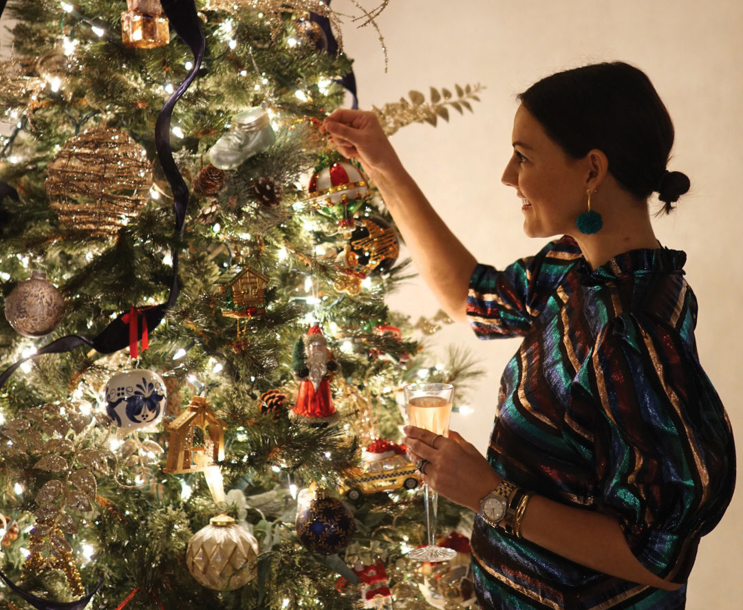 How To Decorate Your Christmas Tree Houstonia Magazine