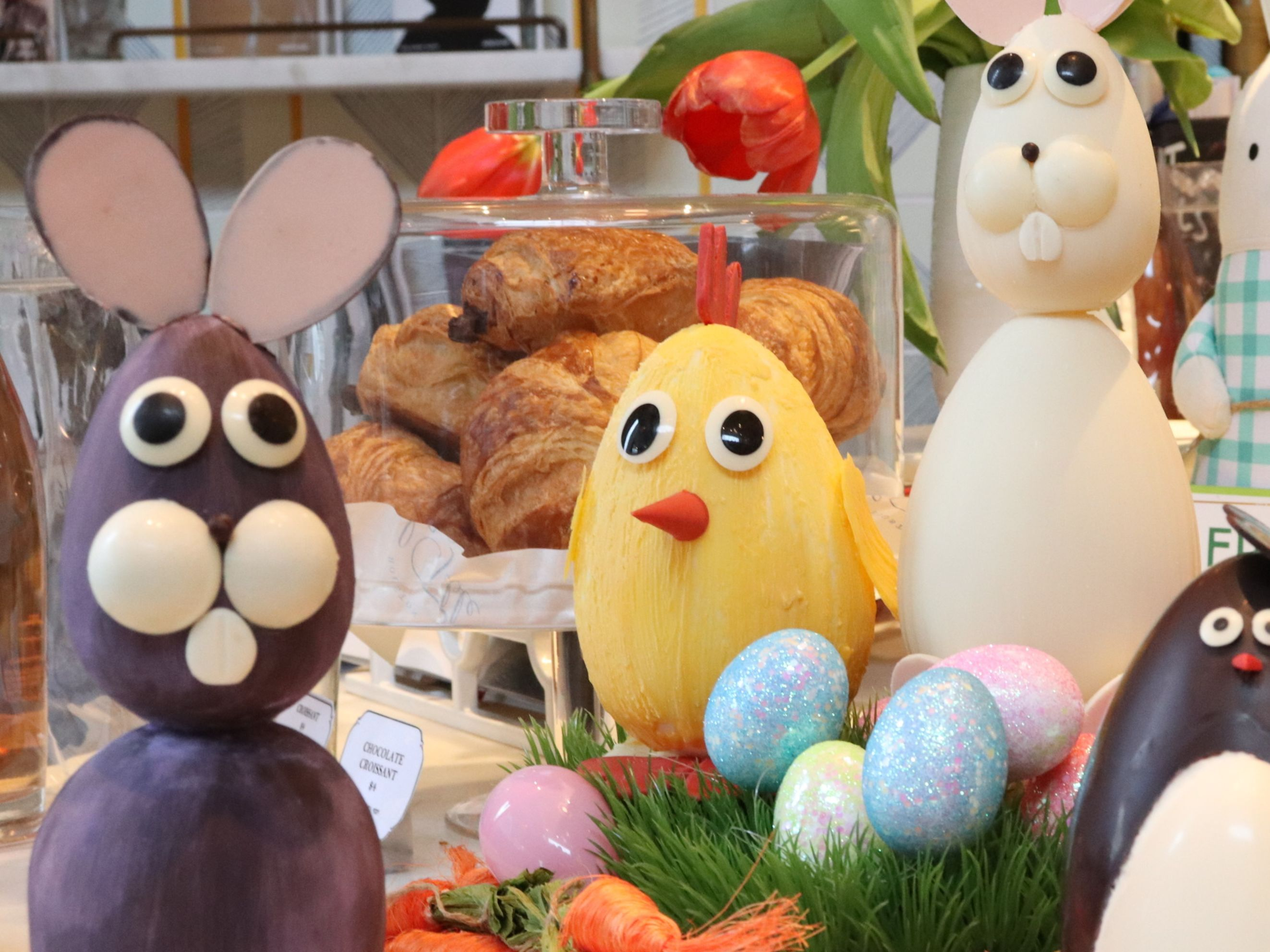 La table   chocolate easter critters xw3wyh